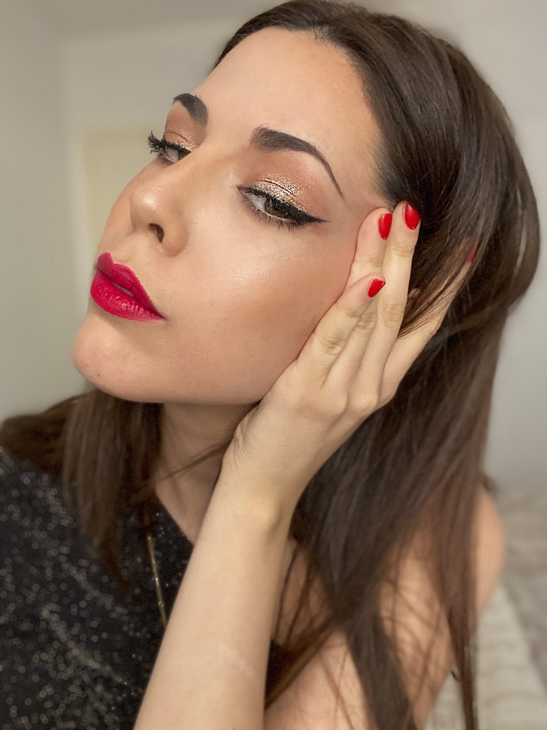 maquillaje de fiesta eyeliner